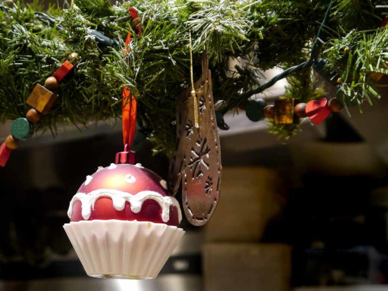 Cupcake bauble